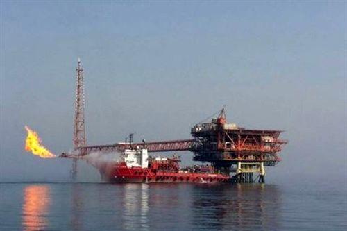 فعالیتهای توسعهای نفت ایران تحریمپذیر نیست