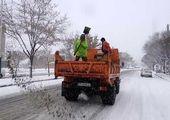 شن پاشى و برف روبى در معابر ناحیه۴