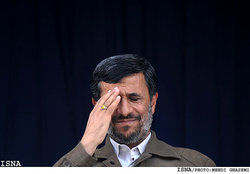 تبریک تولد مایکل جکسون توسط احمدی نژاد! +عکس
