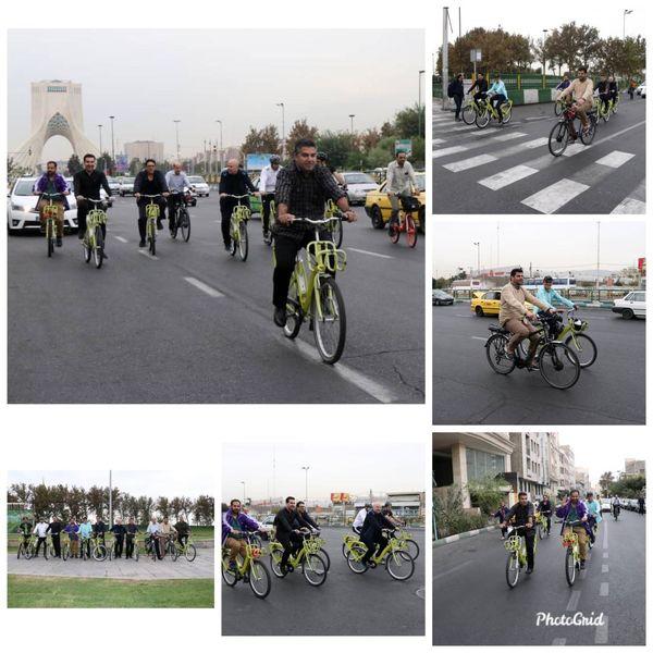 دوچرخه سواری کارکنان منطقه۹ از میدان آزادی