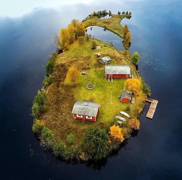 جزیره ای که فقط 9 نفر در آن زندگی می کنند+عکس