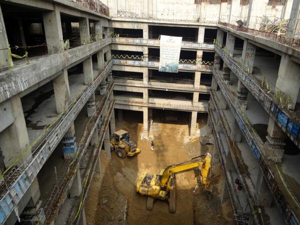 عملیات احداث پارکینگ طبقاتی نیایش به نیمه راه رسید