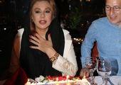 تیپ و ظاهر جدید نسرین مقانلو در جشن تولد مادرش+عکس