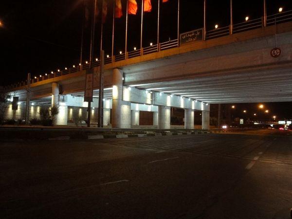 افزایش ایمنی  معابر محلی و بزرگراه های منطقه 4 با رفع نواقص نورپردازی