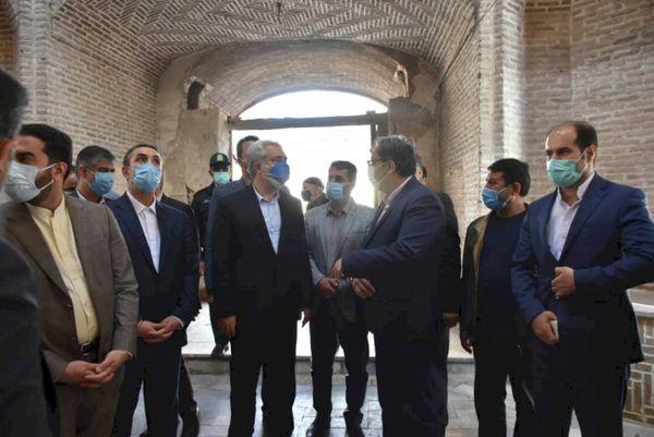 بازدید وزیر میراثفرهنگی، گردشگری و صنایعدستی از بازار شمسالسلطنه نراق