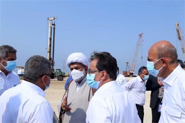 بازدید نماینده جنوب استان بوشهر و فرماندار کنگان از پروژه PDH/PP