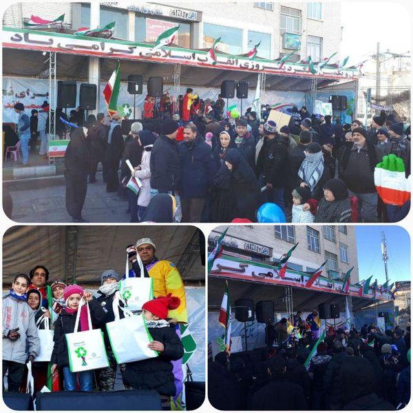  برپایی پردیس فرهنگی سازمان مدیریت پسماند در مسیر راهپیمایی ۲۲ بهمن