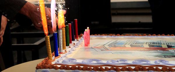 فرابورسیها کیک تولد 400 هزار میلیارد تومانی بازارشان را فوت کردند