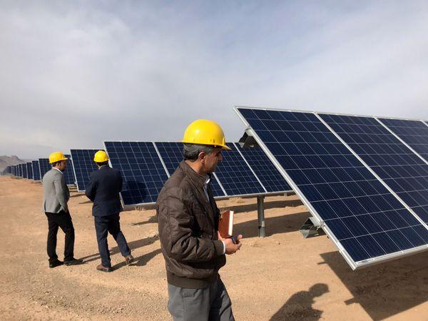 مجریان پروژههای آبی و خورشیدی کشور زیر چتر بیمهای بیمه حکمت
