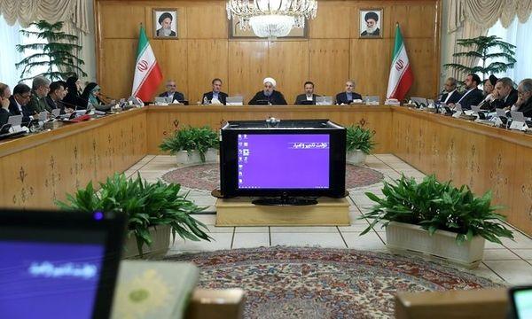 دشمن قادر نیست ملت ایران را به زانو در آورد