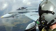 حرکت خطرناک F18 در نزدیکی مردم+عکس