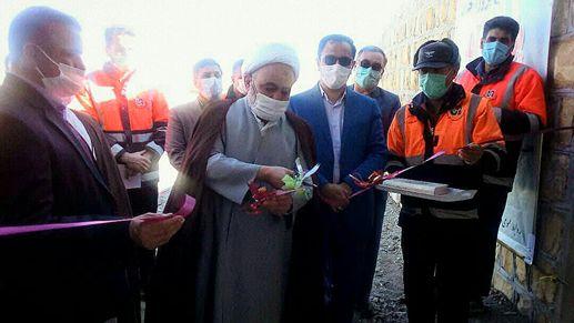 پل کوت آباد شهرستان کمیجان با اعتباری بالغ بر 7/ 1 میلیارد ریال افتتاح شد.