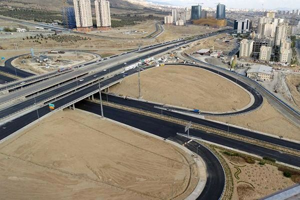 گشایش ترافیکی در تقاطع بزرگراه شهید خرازی با محور 45 متری شهید باقری