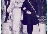 مظفرالدین شاه قاجار، دست در دست ملکه+عکس