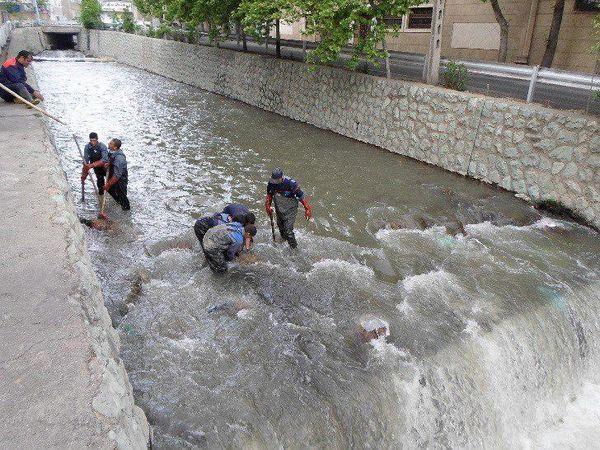 لایروبی و رسوب برداری بیش از 12 هزارمترطول از نهرها و مسیل های شمال شرق پایتخت